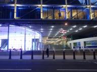 Overground Station Cannon Street. Sie ist nur während der Woche geöffnet, am Wochenende nicht. Weil sie fast nur von den Bankern genutzt wird, die in der Gegend von Kent leben.