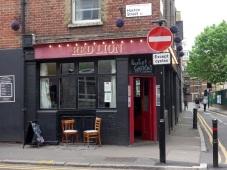 London bzw. England ohne Pubs ist wie ein Tisch ohne Stühle. Oder umgekehrt!
