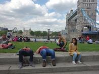 Der Park vor der City Hall und zwei müde Wanderer. ;-)