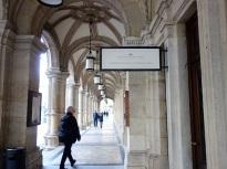 Arkadengang an der Wiener Staatsoper.