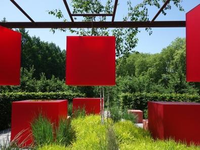 """""""Pixel and Nature"""", Teil eines Kooperationsprojekts im Saisonalen Garten mit Studierenden aus Deutschland und der Türkei."""