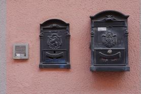 Piemont-2019 (142) Monforte Alba Briefkasten